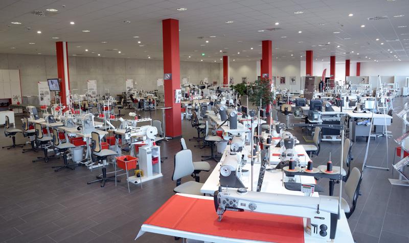PFAFF Industrial Showroom — Deutsch